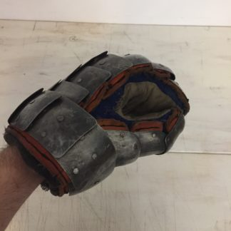 Used Scale Gauntlet (1)